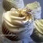 Cupcake especiado de calabaza con frosting de chantilly