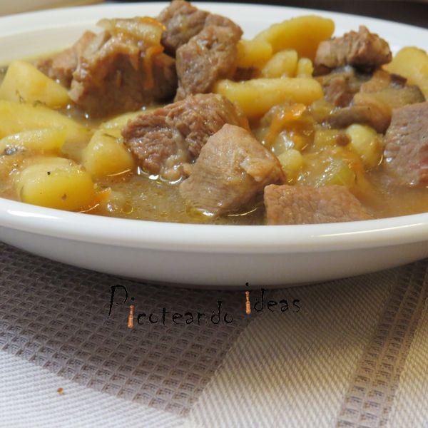 Patatas con carne y tomillo