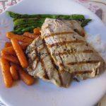 Zanahorias y espárragos verdes caramelizados