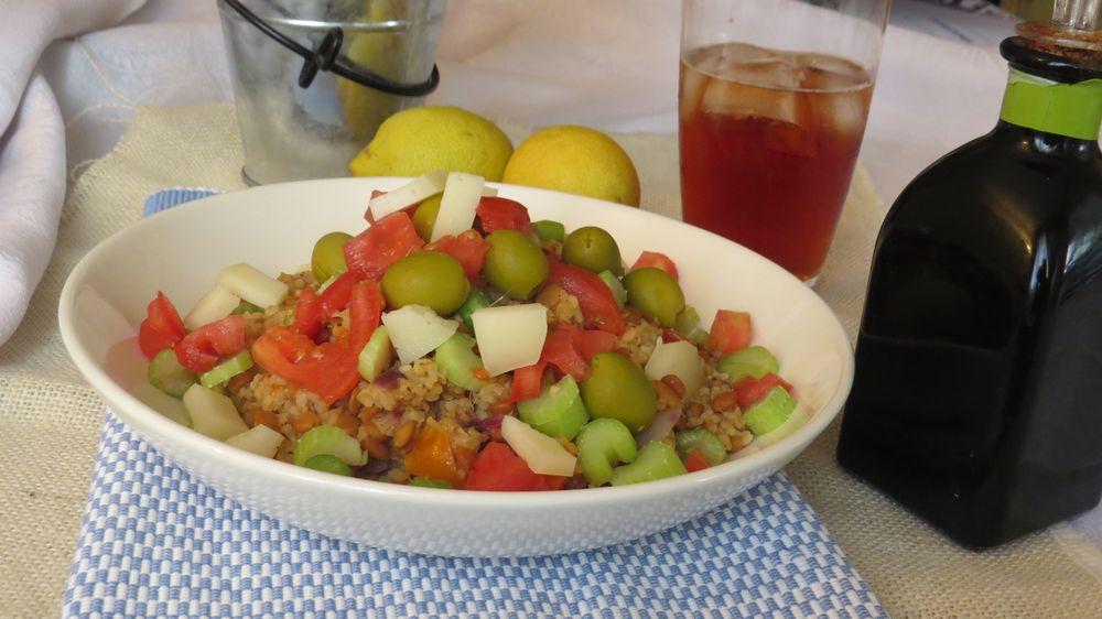 Picoteando ideas ensalada de lentejas con bulgur al for Cocinar lentejas de bote