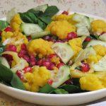 Ensalada de coliflor con vinagreta de hierbabuena