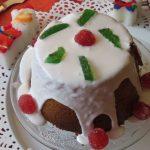 Plum cake de avena con fruta escarchada