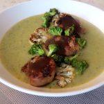 Crema de brocoli y coliflor con medallones de solomillo