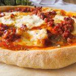 Pizza de chorizo y burrata